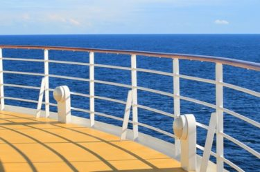 クルーズ船上からの眺め