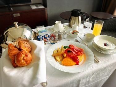 ホテルニューオータニの朝食ルームサービス